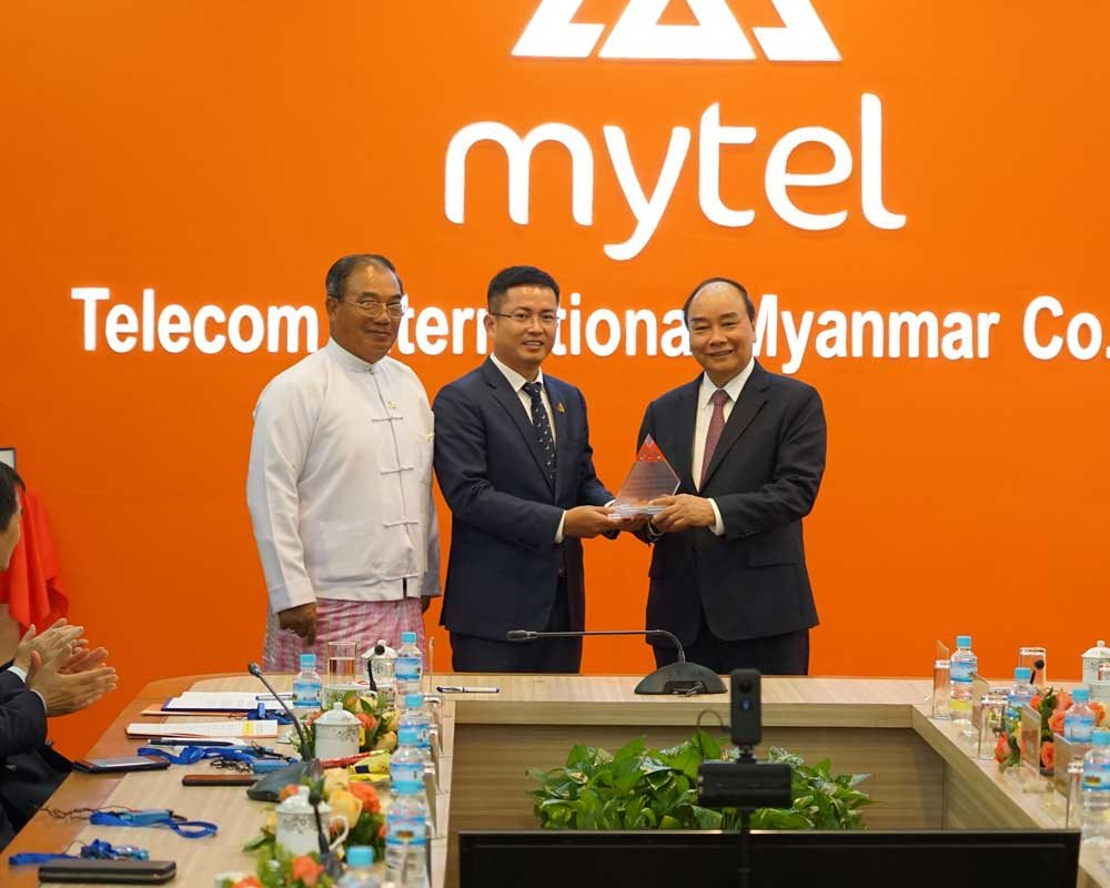 """Thủ tướng: """"Thông qua Viettel, Việt Nam mang đến công nghệ tiên tiến nhất cho Myanmar"""""""